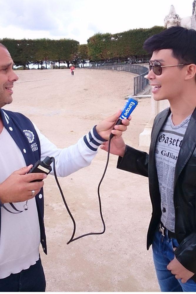 16  Ca sĩ Nathan Lee hủy chuyến bay Pháp để ở lại Việt Nam vì lý do này!